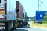 Kamioni na Batrovcima 420, na Horgošu 240 minuta