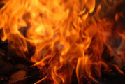 Požar u Ulcinju, ljudi se evakuišu