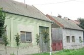 Još 15 izbeglih porodica nakon ratova 90-ih dobilo ugovore za kupovinu seoskih kuća u Vojvodini