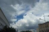 Oblačno i svežije, sa kišom i pljuskovima
