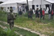 Vojska Srbije počela obezbeđenje prihvatnih centara u Šidu