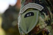Zastava 63. padobranske jedinice na putu oko sveta