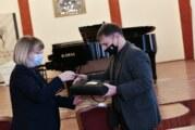 Uručen poklon instrument Muzičkoj školi Isidor Bajić