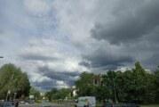Oblačno, vetrovito i hladnije, mestimično kiša