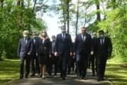 """Vučić u Spomen-području Donja Gradina: Novi Jasenovci i """"Oluje"""" neće se više dogoditi"""