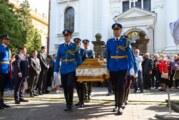 Pohranjeni posmrtni ostaci vožda Stratimirovića u Sremskim Karlovcima uz najviše vojne počasti
